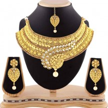 Gold Finishing Necklace Set, Traditional Look Pearl Drop, With Maang Tikka