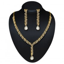 Gold Finishing Necklace Set, Traditional Necklace
